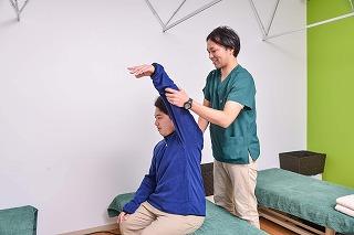 五十肩の痛みの原因は?治療は?痛み止めは?江東区北砂(江戸川区小松川)の整骨院